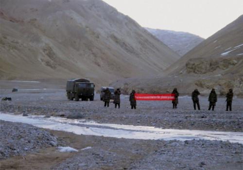 外媒称中国要求印度拆边界工事 印军已后撤1公里